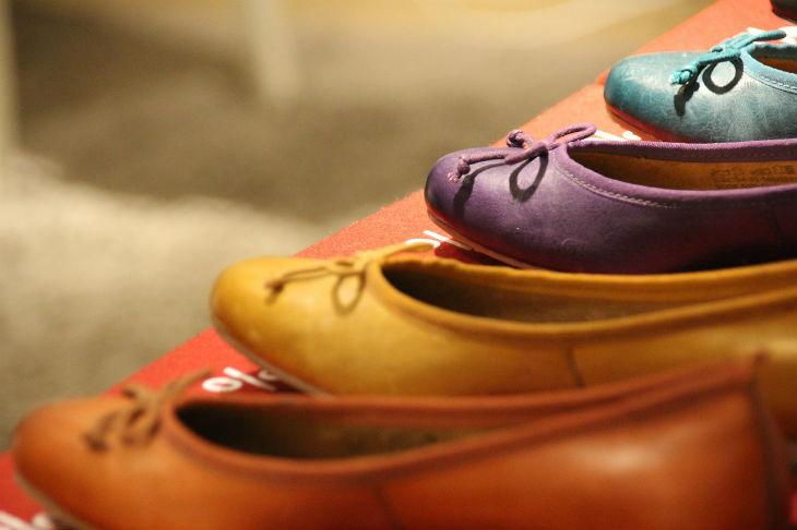 flats womens walking shoes