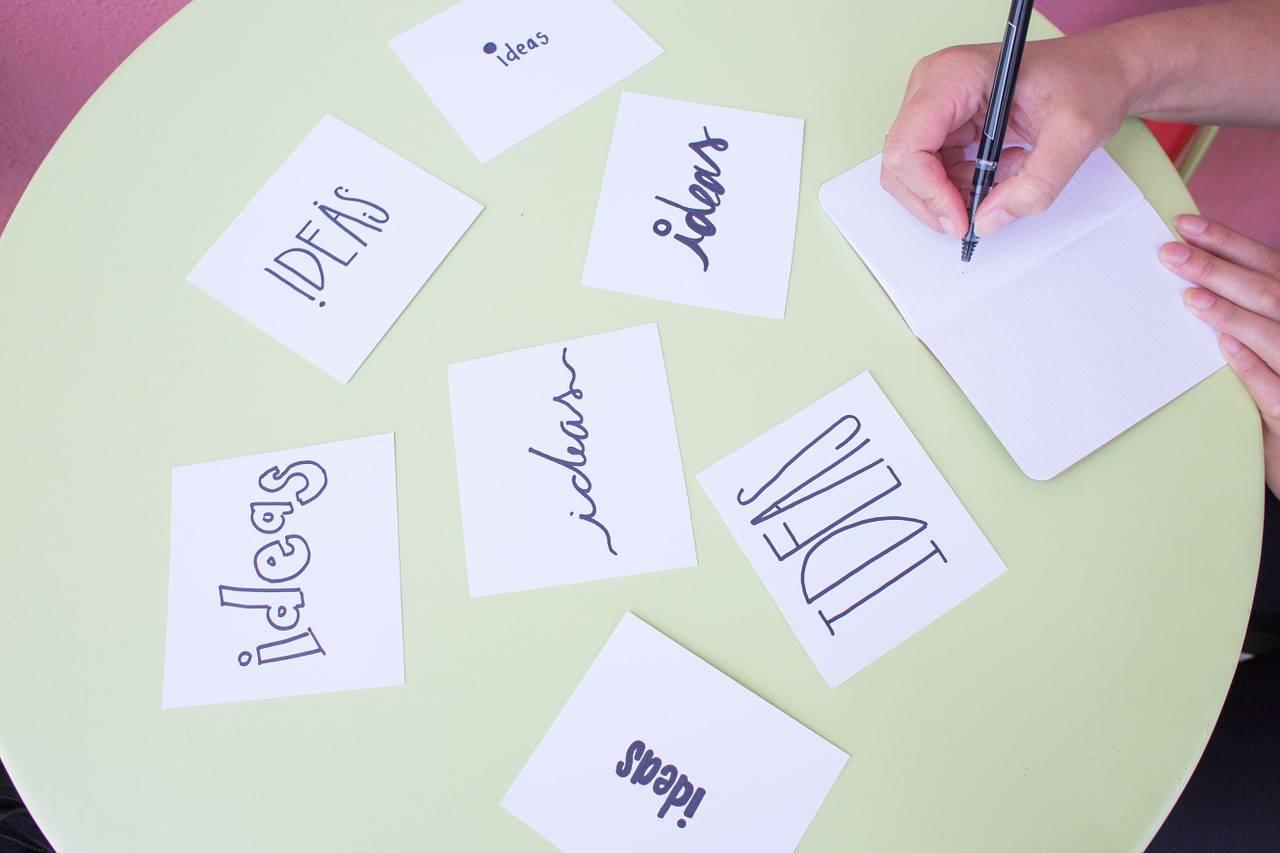 Brainstorming Blog Ideas to Make Money